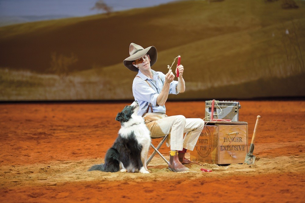 tourist-in-my-town-outback-spectacular